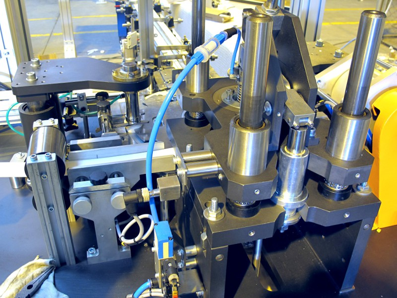 Cap Liners And Liner Insertion Machines